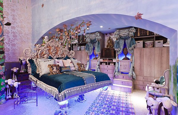 20 princess themed bedrooms every girl dreams of home for Princess bedroom design