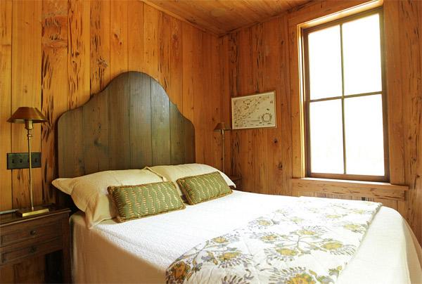 Một phần của chiếc giường có ảnh hưởng đến cái nhìn của nó là đầu giường