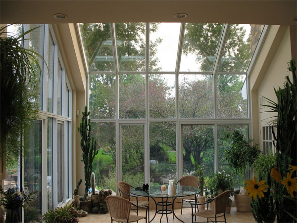 Get Tanned With 20 Glossy Glass Roofed Solariums Home