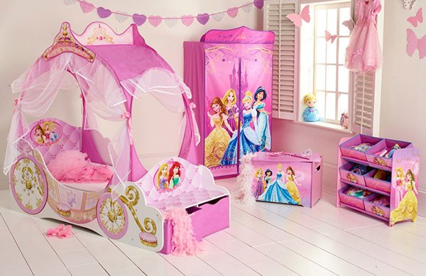 20 princess themed bedrooms every girl dreams of home for Girls princess bedroom ideas