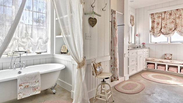 25 beautiful farmhouse style bathrooms home design lover for Bathroom decor farmhouse