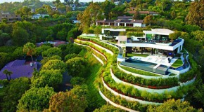 Mind-Blowing Details and Privacy in Laurel Way in Beverly Hills, California