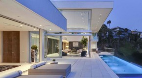 Magnificent Features Expose in Oriole Way in Hollywood, California