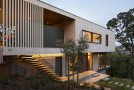 Irreplaceable Cantilevered Design of San Anselmo House in California