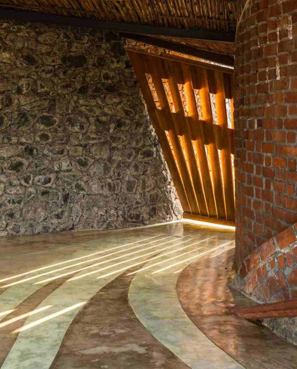 Low Cost And Eco Friendly Technologies In The Brick House