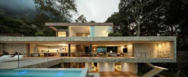 Stunning Minimalist Home of Alex Lerner in Rio de Janiero