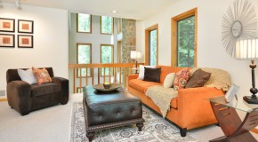 20 Living Rooms Gracefully Using Fall Colors
