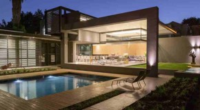 Fabulous and Lavish Exterior and Interior in the House Sar in South Africa