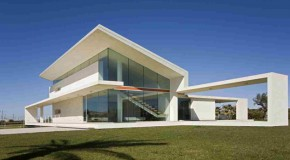 Extraordinary and Flawless House Design of the Villa T in Italy