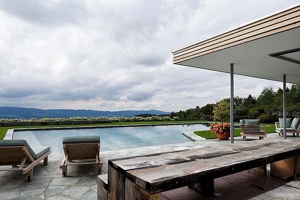 L-shaped pool design