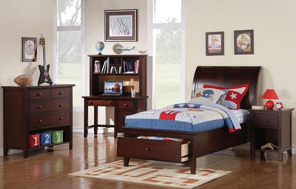 Vintage Twin Sleigh Bedroom