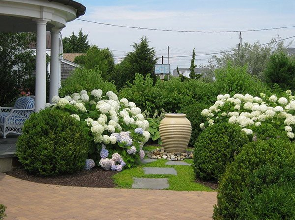20 Ways To Landscape With Shrubs Home Design Lover