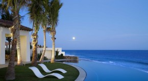 20 Breathtaking Residential Beachfront Swimming Pools