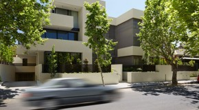 Simple Volumes and Plain White Features on Davis Avenue in Melbourne