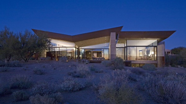 Unique contemporary minimalist desert wing in arizona for Desert style house plans