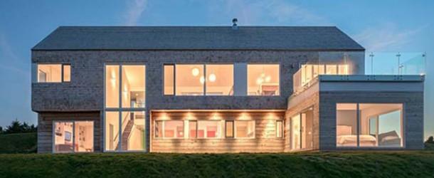 Lovely Hillside Harbour Heights Residence in Canada