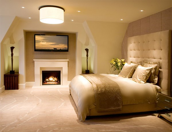 20 Ideas To Bring Glamour To Your Bedroom With Gold