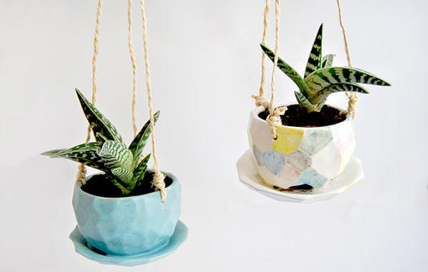 Drainage Plate1 - 24 Pretty Ceramic Hanging Planters Home Design Lover