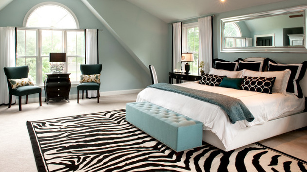 Style your bedrooms in zebra prints and decors home for Decorador de interiores