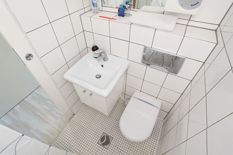 bathroom tiny