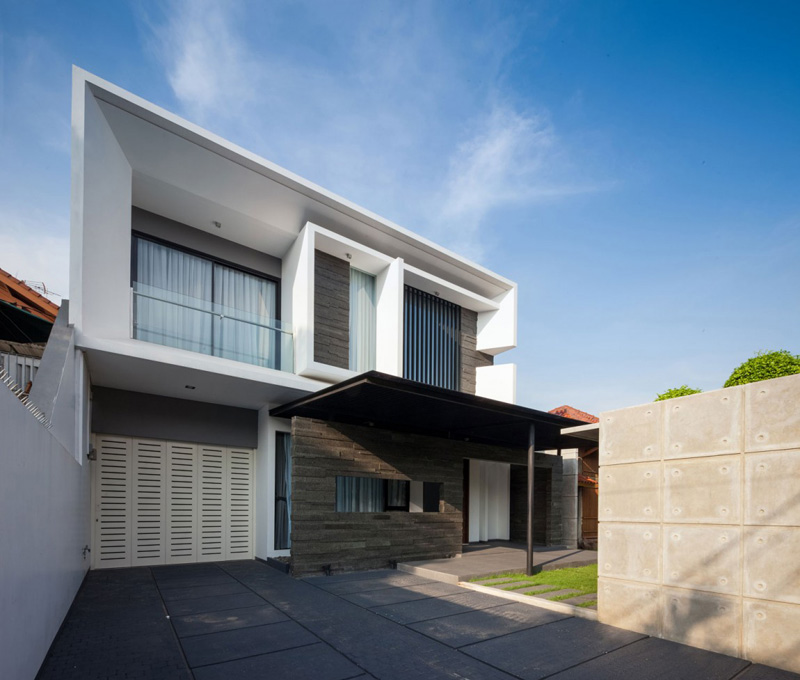 Extraordinary designs and elements of the d s house in for Minimalist house jakarta