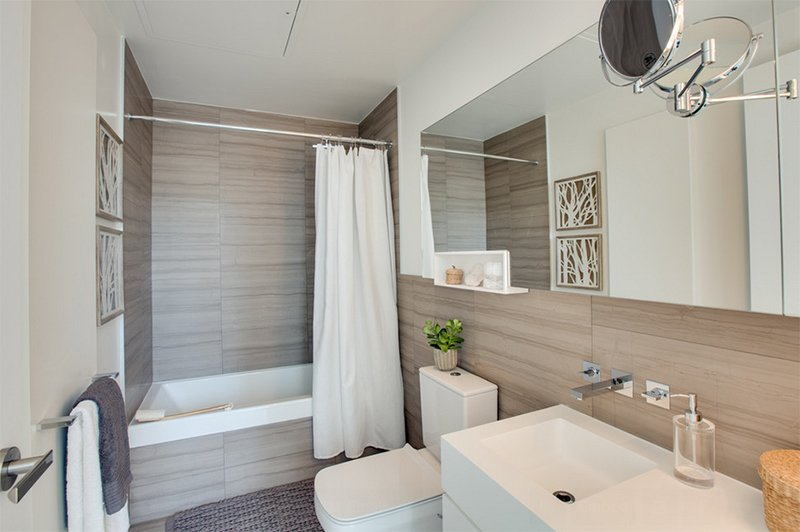 Staging Project-Chaz Yorkville Condo Ensuite Bathroom