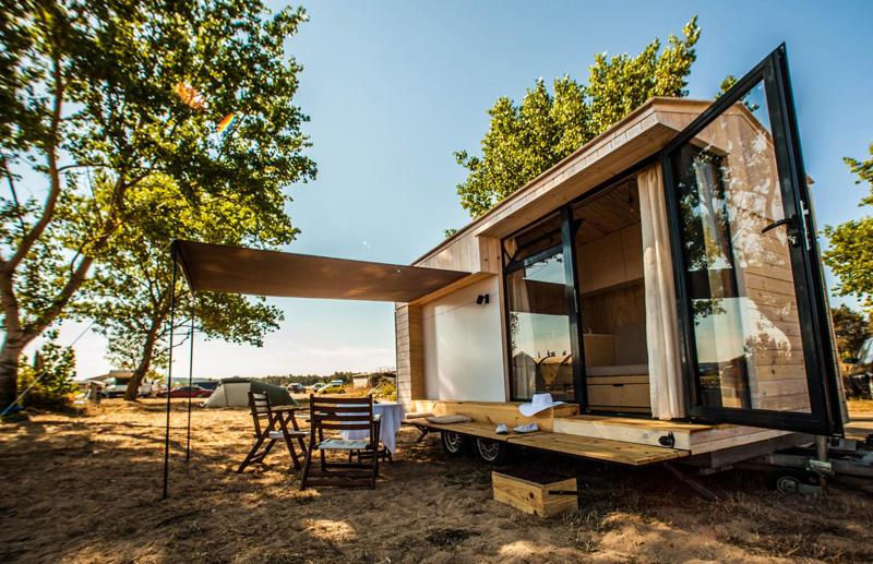 Great Koleliba: A Tiny Vacation Home On Wheels