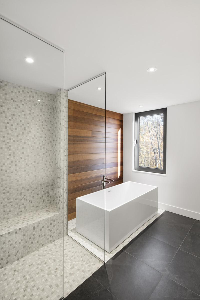 KL House bathroom