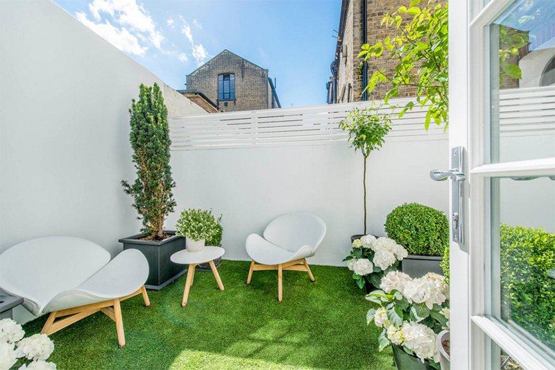 compact courtyard