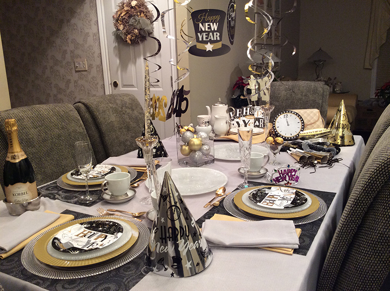 20 Sparkly New Year 39 S Eve Tablescapes Home Design Lover