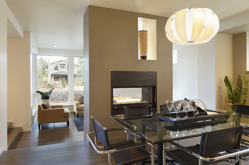 22 double sided fireplaces in dining rooms home design lover - Fireplace between two rooms ...