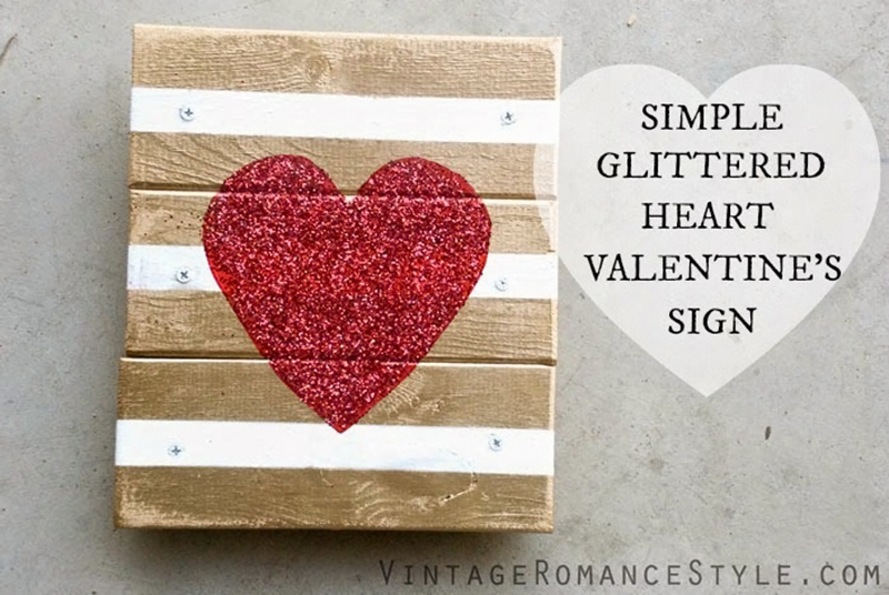 Simple Metallic Gold Chunky Glittered Heart Wood Sign