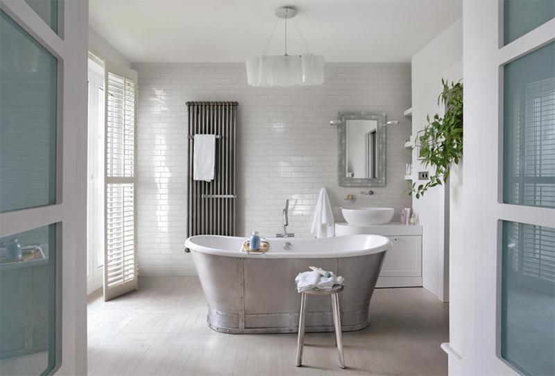 Farmhouse inspired bathroom - Walls and Floors
