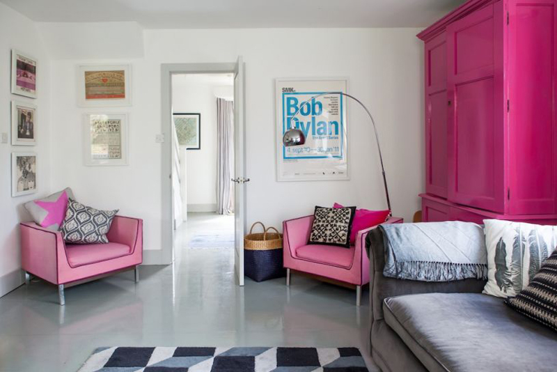 20 Pink Accent Chairs in the Living Room | Home Design Lover