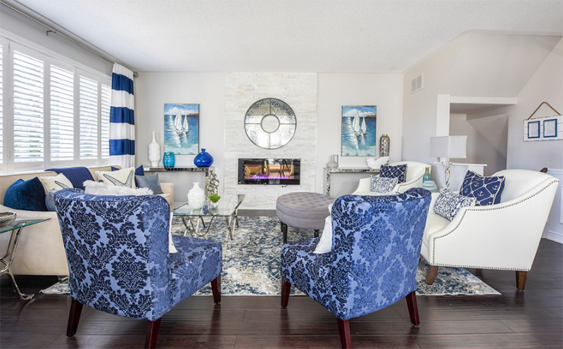 22 beach themed home decor in the living room home for Blue themed living room ideas
