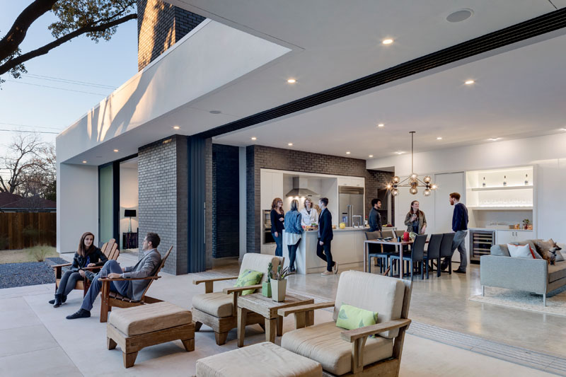 main stay: a contemporary house designed for inside and outside