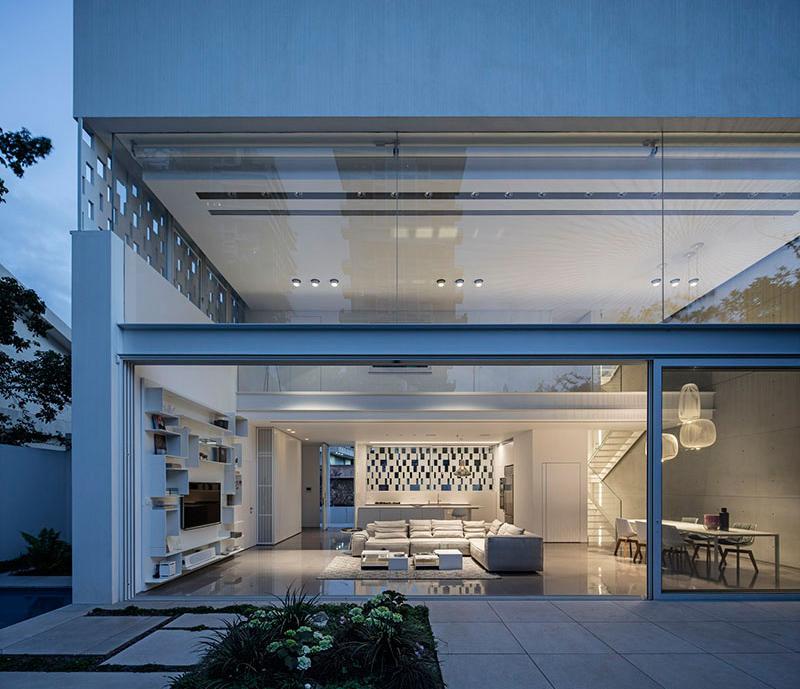 Indoor/Outdoor Living Space sliding door