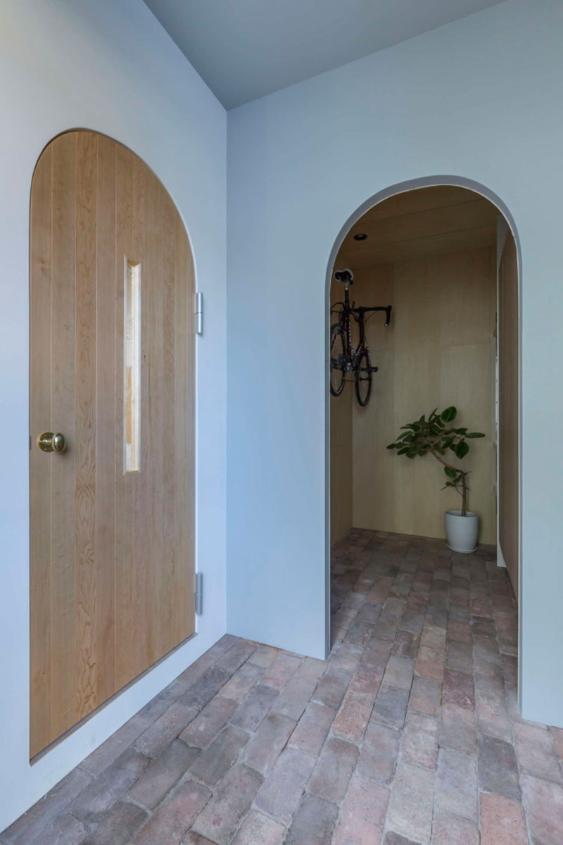 Arc doorways home