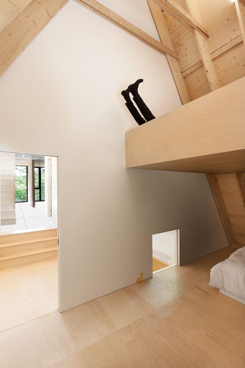 Black Cabin kids bedroom