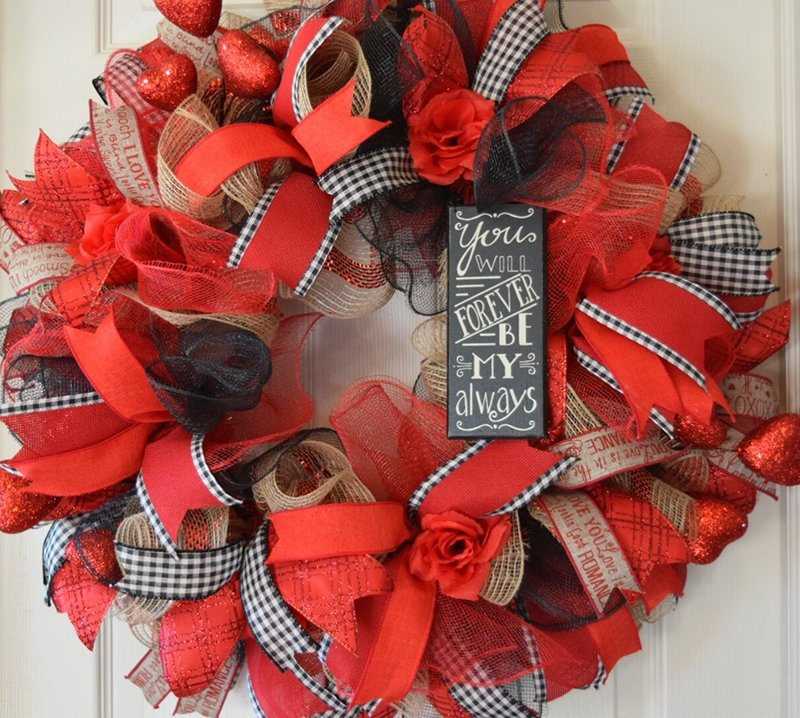 Red Black Jute Ruffle Valentine Wreath