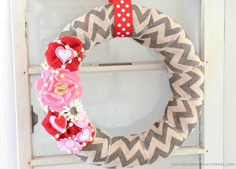 Simple 15-Minute Valentines Day Wreath