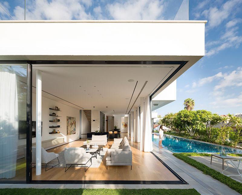 House 2 Rishon view