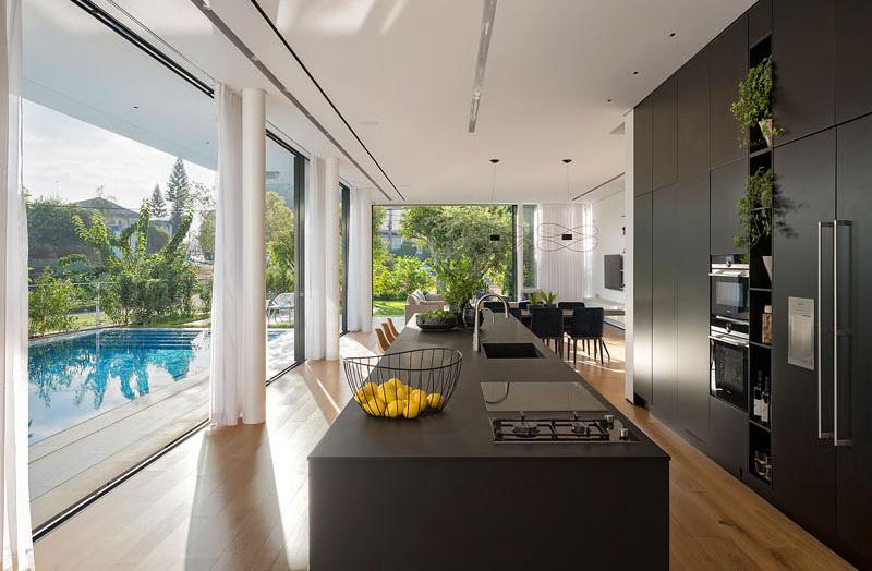 House 2 Rishon kitchen