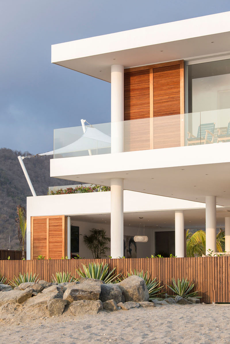 Casa Puerto Cayo fence