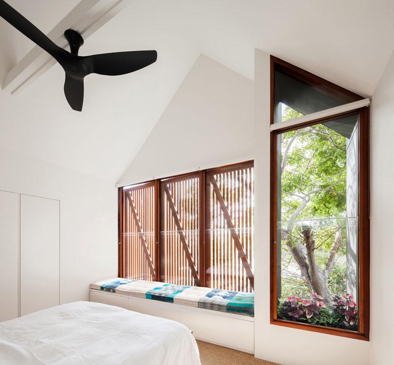 Sustainable House Randwick 2 glass doors