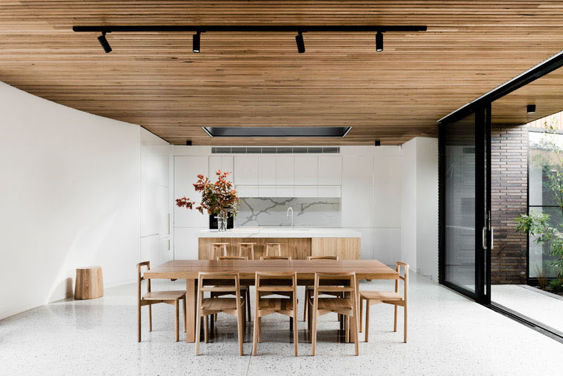 Courtyard House dining
