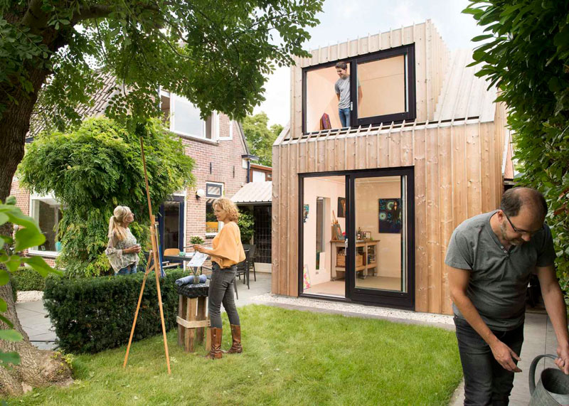 A Small Modern Backyard Painting Studio in The Netherlands