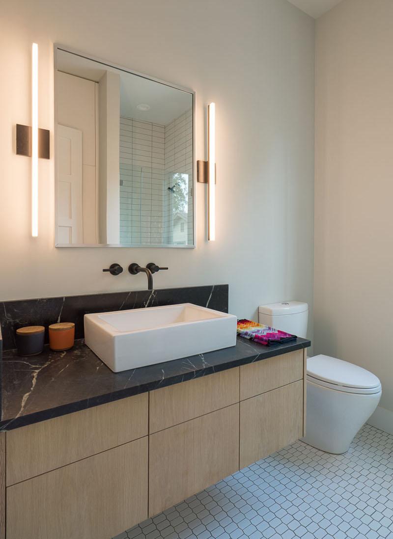 Palma Plaza Spec small bathroom