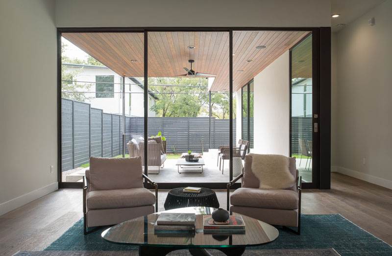 Palma Plaza Spec glass outdoor space