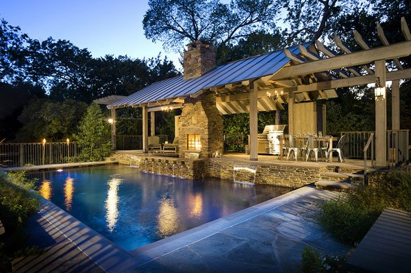 Soothing Outdoor Pool Design